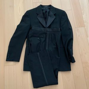 Andrew Fezza New York tuxedo.Bill Blass waistcoat